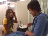 【無料エロ動画】お見舞いに来た彼女と病室でセックス
