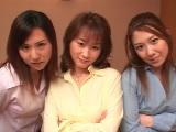 三人のエロい家庭教師と4P