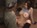 巨乳のお姉さん、沖田杏梨出演の無料kyonyu動画。沖田杏梨極限の中で欲情する美巨乳お姉さん