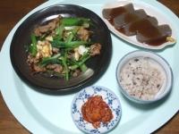 12/7 夕食 豚と小松菜の玉子炒め、みそおでん、キムチ、雑穀ごはん