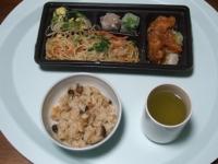 12/10 昼食 上海焼きそば弁当、キノコごはん