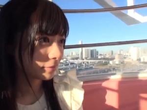 アダルト 千野くるみ はにかみスレンダー微乳 秋葉原現役メイドさん恥じらいデートでAVデビュー!