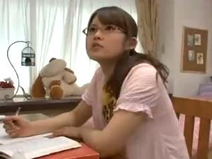 アダルト ガリ勉なメガネ姉貴