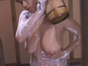 アダルト 村上涼子 北原夏美 爆乳熟女の入浴シーンを覗き見