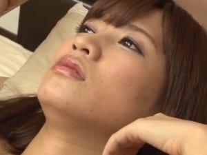 アダルト 美形お姉さんの美しい表情