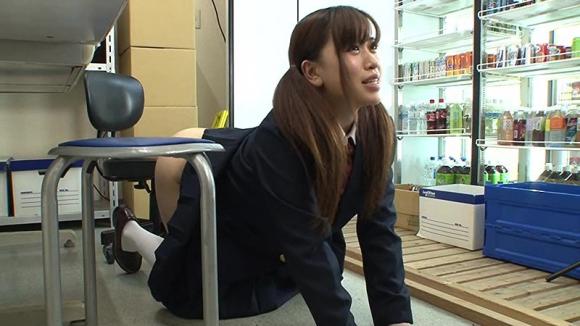 【エロ動画】万引きしちゃう生意気なJKにはしっかりお仕置きしちゃいましょうwwwwwww01_20151217210652c9c.png