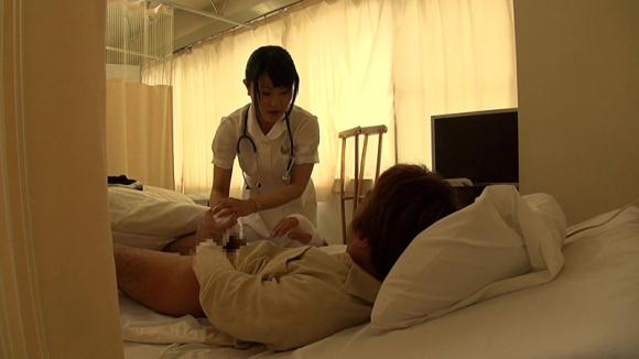 【エロ動画】素人看護師にフル勃起チンコを見せつけた結果・・・・・wwwwwwwww01_20160204060408545.png