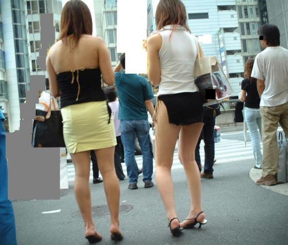 久しぶりに東京行ったら街を歩いてる女の子がくっそエロい服装で歩いててビビったwwwwwww【画像30枚】01_20160210204828a9e.jpg