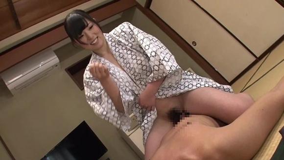 【エロ動画】温泉旅館で声をかけた素人巨乳ちゃんと素股SEX!01_201602252220368ff.png