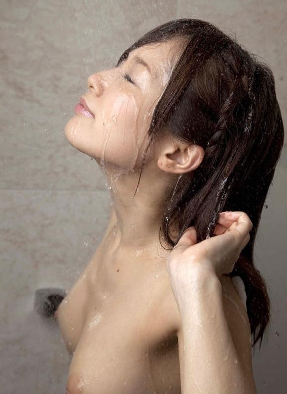 かわいい女の子がシャワー浴びてるのってなんかエロくね?wwwwwww【画像30枚】01_20160515095133758.jpg