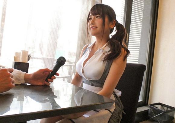 【エロ動画】SNSで噂の激カワ巨乳看板娘にAVガチ交渉!01_20160726211137081.png