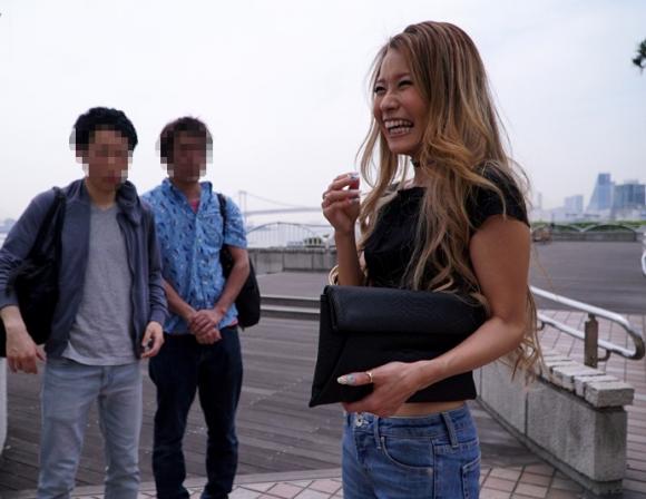 【エロ動画】渋谷で噂のヤリマンギャルがハメまくり!01_20160820235833e3c.png