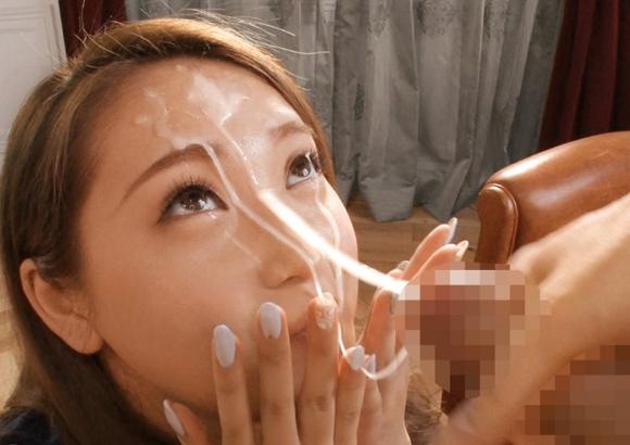 【エロ動画】美女の顔にひたすら顔射フィニッシュ!01_20160822125607562.png
