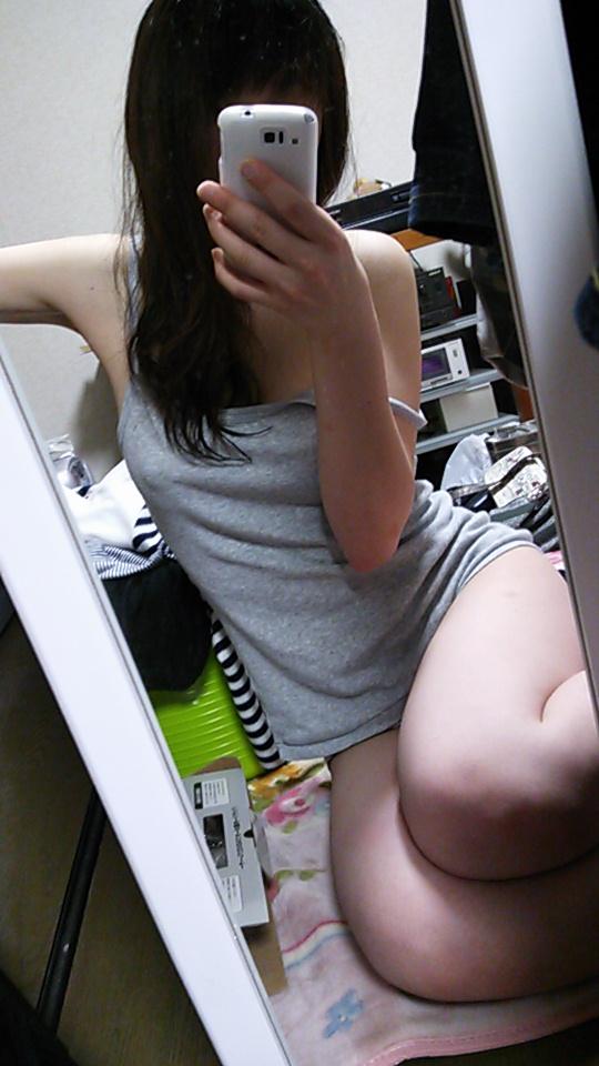 【エロ画像】女の裸とかハメ撮りのエロさが2倍に倍増するマジック!それが鏡エロ写真wwwwwww02_201511291331382c5.jpg