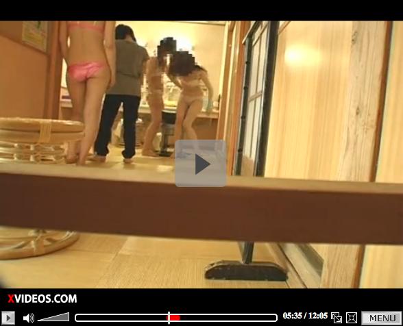 【エロ動画】テンションMAX現役JDの温泉脱衣所盗撮動画02_201512071032036f5.png