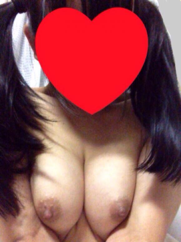 【両親号泣】リプ/RTなどのフォロワーの反応が嬉しくて裸をTwitterにうpしちゃう素人女神様ぁぁぁぁぁwwwwwww02_20151208201603e21.jpg