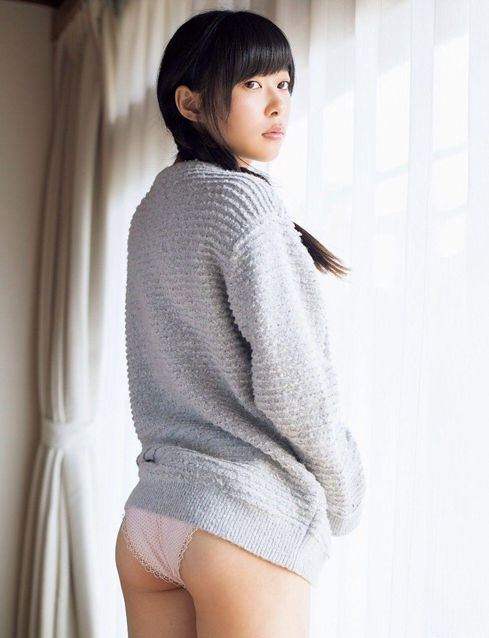 HKT48(AKB48)さっしーこと指原莉乃ちゃんのちっぱいプリケツ美脚の良さを確認できるグラビア画像【30枚】02_2016010204040981d.jpg