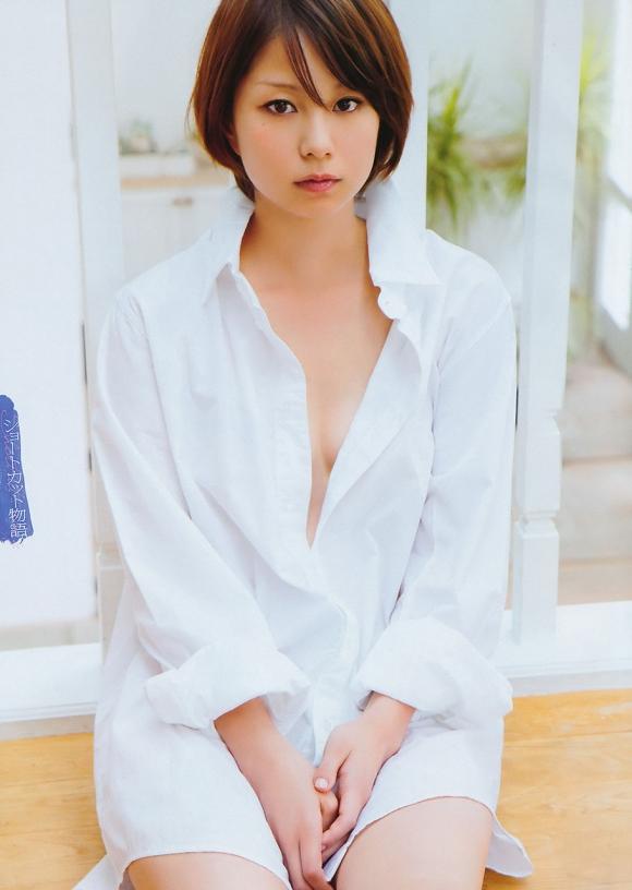 裸Yシャツの女の子がエロすぎて襲っちゃいそうになるwwwwwww【画像30枚】02_20160116044431709.jpg