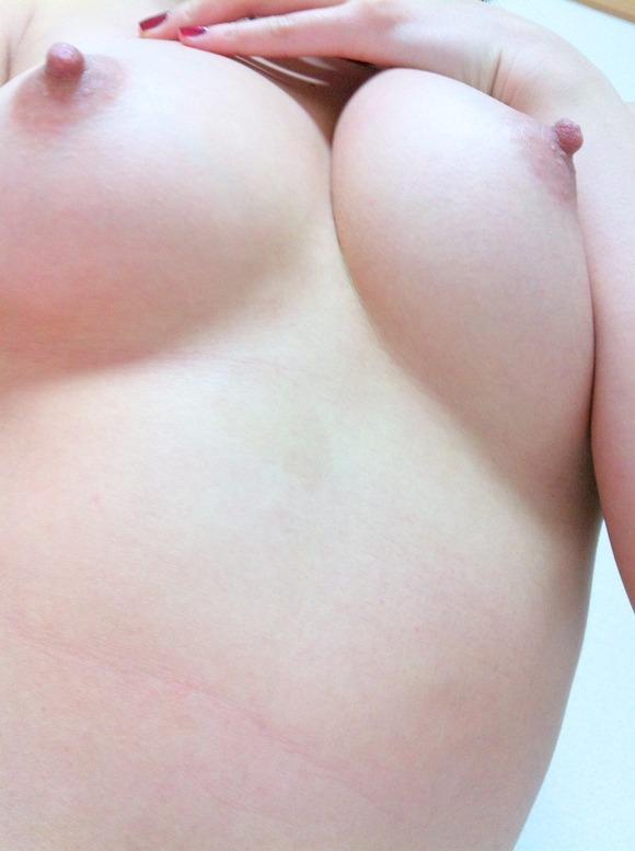 彼氏との「ラブホ」事後の画像までアップしちゃう女の子のエロ垢!生々しいンゴwww02_20160204195119926.jpg