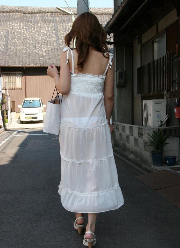 久しぶりに東京行ったら街を歩いてる女の子がくっそエロい服装で歩いててビビったwwwwwww【画像30枚】02_20160210204828673.jpg