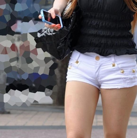 ショーパンから露出してる大腿部がエロすぎwww女の子のムニムニ太ももがたまらんwwwwwww【画像30枚】02_20160217093125dce.png