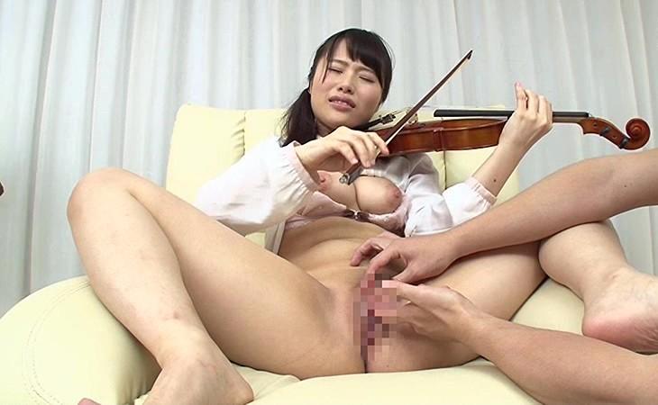 【エロ動画】お嬢様音大生は演奏しながらエッチできるのかモニタリングwww02_201607232102009cf.png