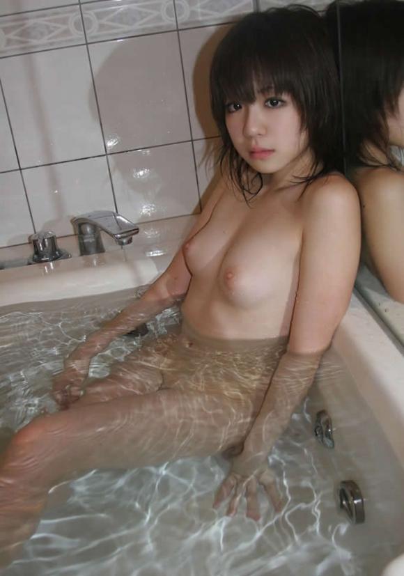 かわいい女の子がお風呂に入ってる姿を見ると一緒に入りたくて堪らなくなるwwwwwww【画像30枚】03_20160107031752452.jpg
