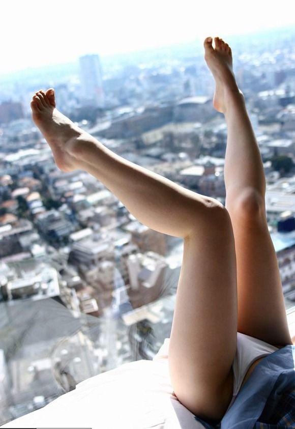 脚フェチが思わず飛び込んじゃいそうな綺麗な脚の女の子wwwww【画像30枚】03_201607251126048ca.jpg