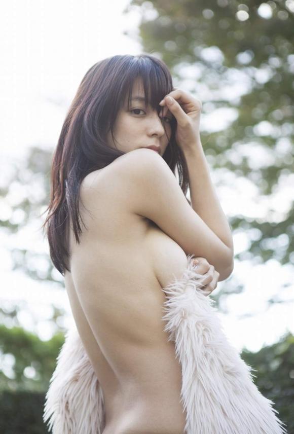 Fカップグラドル「小瀬田麻由」ちゃんがココまで脱いだ!【画像30枚】03_20160821012937e00.jpg
