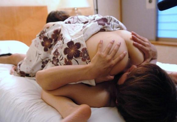 性器を舐め合うことでお互いを最大限に思いやれるシックスナインのエロ画像【30枚】04_20160108052253fab.jpg