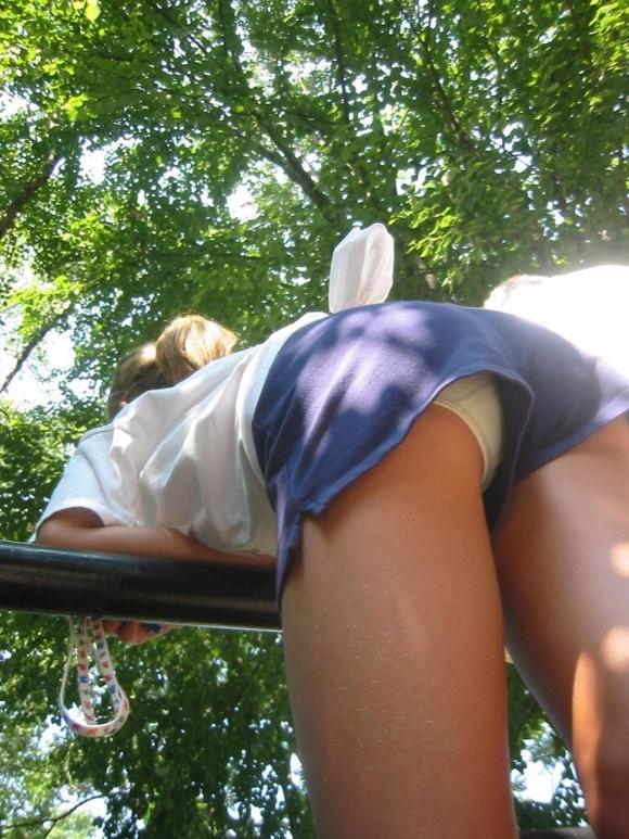 街を行くホッパン女子のおしりが頭から離れなくなる盗撮エロ画像【30枚】04_2016020519283216f.jpg