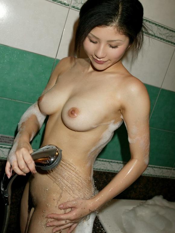 かわいい女の子がシャワー浴びてるのってなんかエロくね?wwwwwww【画像30枚】04_201605150951384ce.jpg