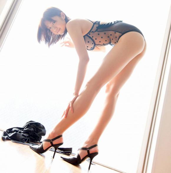 脚フェチが思わず飛び込んじゃいそうな綺麗な脚の女の子wwwww【画像30枚】04_2016072511260514e.png