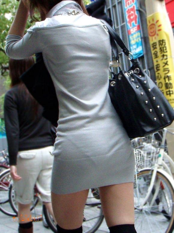 洋服の中では一番のエロさを誇るミニワンピを着てる女の子を街撮り盗撮ぅぅぅぅぅwwwww【画像30枚】05_201512200315110c6.jpg