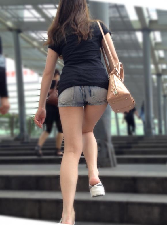ショーパンから露出してる大腿部がエロすぎwww女の子のムニムニ太ももがたまらんwwwwwww【画像30枚】05_20160217093130dcb.jpg