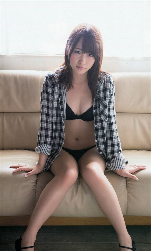 元AKB48メンバーでおバカキャラでおなじみの川栄李奈ちゃんの水着姿が意外と結構くるぅぅぅぅぅ【画像20枚】06_2015120923165221c.jpg