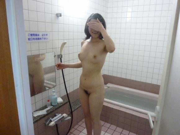 【エロ画像】彼女とラブホ行ったら広い浴室でテンション上がってたから写真撮っちゃったwwwwwww06_201512111200260b4.jpg