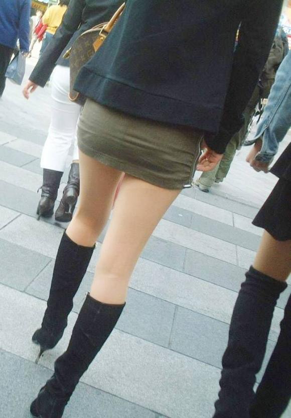 街でミニスカブーツの女の子を見ると無意識にガン見してしまう男の習性wwwwwww【画像30枚】06_20160114015022526.jpg
