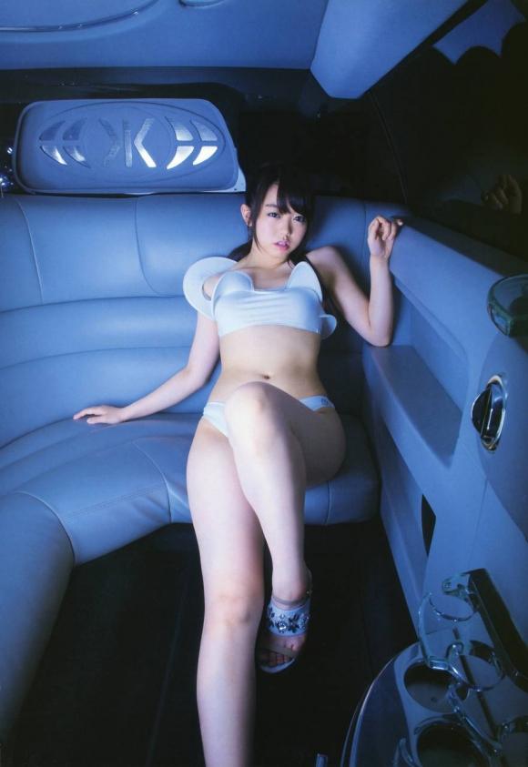 RIZAP(ライザップ)に挑戦したAKB48峯岸みなみちゃんの白い肌がきれいなグラビア画像【30枚】06_201601160130177b0.jpg