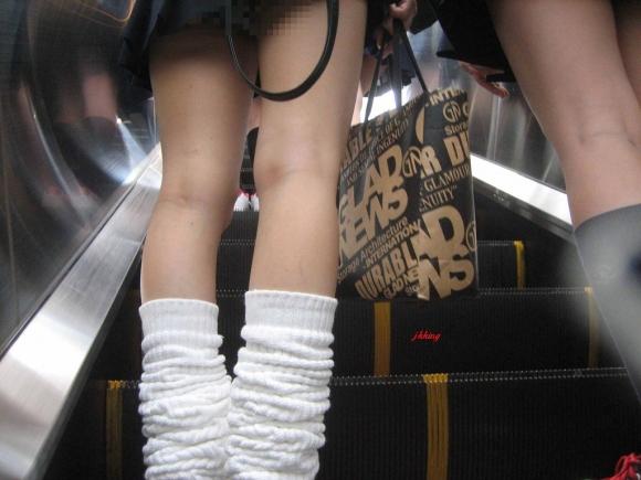 現代っ子なJKたちのスカートが異常なほどに短すぎる件wwwwwww【画像30枚】06_20160331213719ced.jpg