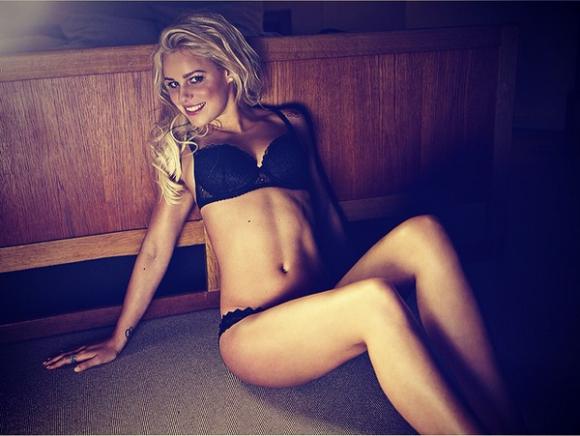 リオ五輪競泳金メダリスト「パーニル・ブルメ」ちゃんがinstagramにアップしてる美形ヌード画像!06_20160815150708cce.png