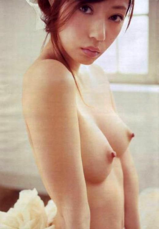 仮面ライダーヒロイン「芳賀優里亜」ちゃんの全裸フルヌード!06_20160816123033f6c.jpg
