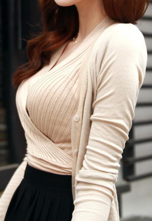 【素人/若い子限定】街で見かけた着衣巨乳女子を抜いた画像を集めましたwwwwwww07_201512050120188f7.jpg