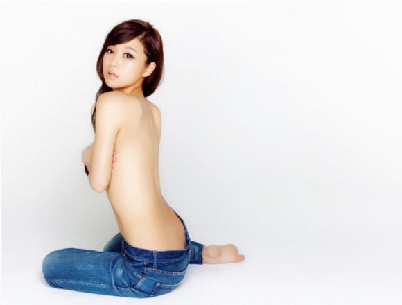 鈴木奈々ちゃんがLINEブログにうpしてる下着姿やセミヌード画像がエロすぎる!【画像30枚】07_20160430103240ea6.jpg