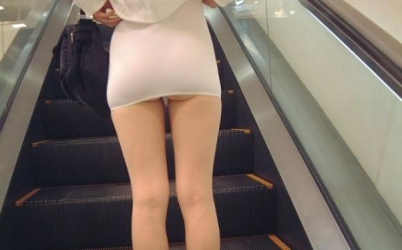 暑くなってきたからってスカート短すぎておしり丸見えになっちゃってるヤツwwwwwwwwwww07_2016050421381394b.jpg