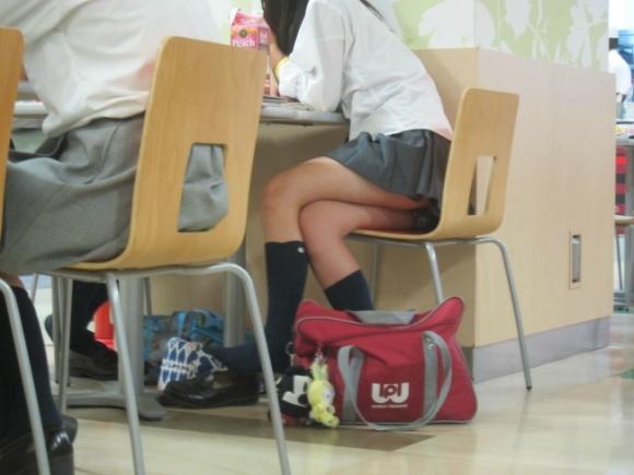 JKが学校内で撮った悪ふざけ写メのエロさの度が過ぎる件wwwwwww【画像30枚】07_201606161048561b9.jpg