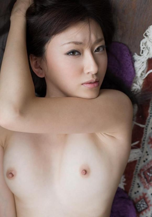 【エロ画像】ポチっっっっっプチっっっっっと小さい乳首!豆乳首!!!08_20151204143247317.jpg