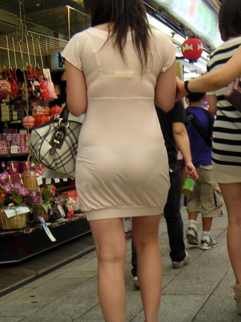 洋服の中では一番のエロさを誇るミニワンピを着てる女の子を街撮り盗撮ぅぅぅぅぅwwwww【画像30枚】08_2015122003164117a.jpg