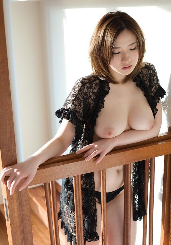 美女で巨乳なおっぱいっていう彼女が欲しいwwwww【画像30枚】08_2015122807301819b.jpg