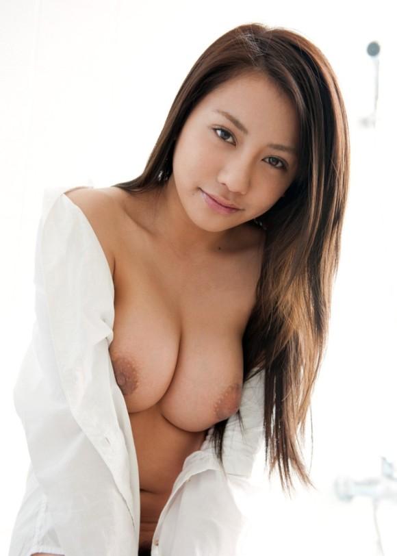 裸Yシャツの女の子がエロすぎて襲っちゃいそうになるwwwwwww【画像30枚】08_20160116044525a6b.jpg